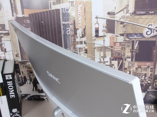 32吋R3000曲面 SANC电竞低蓝光液晶评测