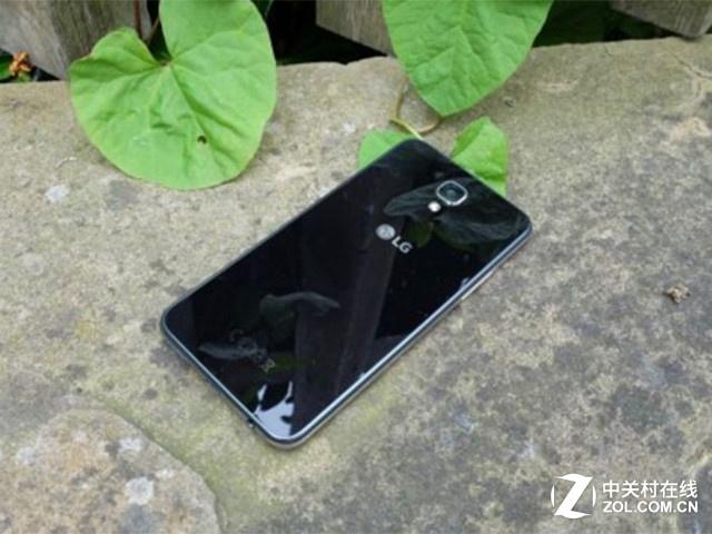 12990印度卢比 LG X Screen双屏手机发布